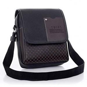 99c3615992 Ce petit sac à bandoulière en cuir synthétique noir très tendance de la  marque Zeagoo n'apportera pas qu'une allure chic à son porteur.