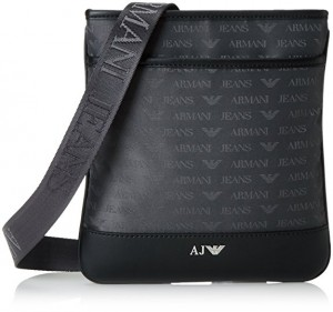 cc9f8de816be Armani ne manque jamais de satisfaire sa clientèle avec ses sacs pour homme  et femme. Pour les hommes de mode à la recherche d originalité, ...