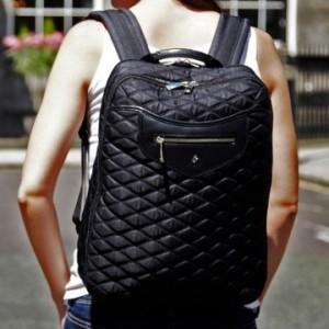 c4e78097aa897 La plupart de ceux qui sont dans la vie active nécessitent un sac à dos d'ordinateur  portable pour le sécuriser. Homme ou femme quel que soit leur style ...