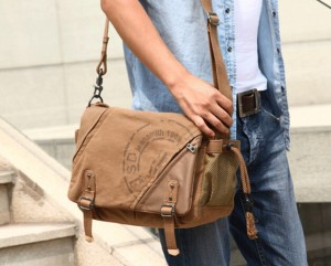 discount designer fashion discount sale Besace pour homme : les meilleurs modèles en toile | SACATOI