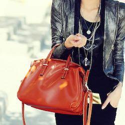 sac-main-femme-rouge-design